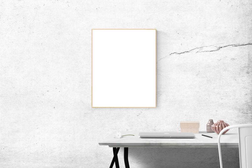 blank plakat på væg