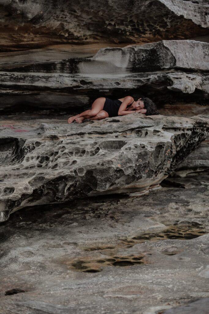 Kvinde i hule