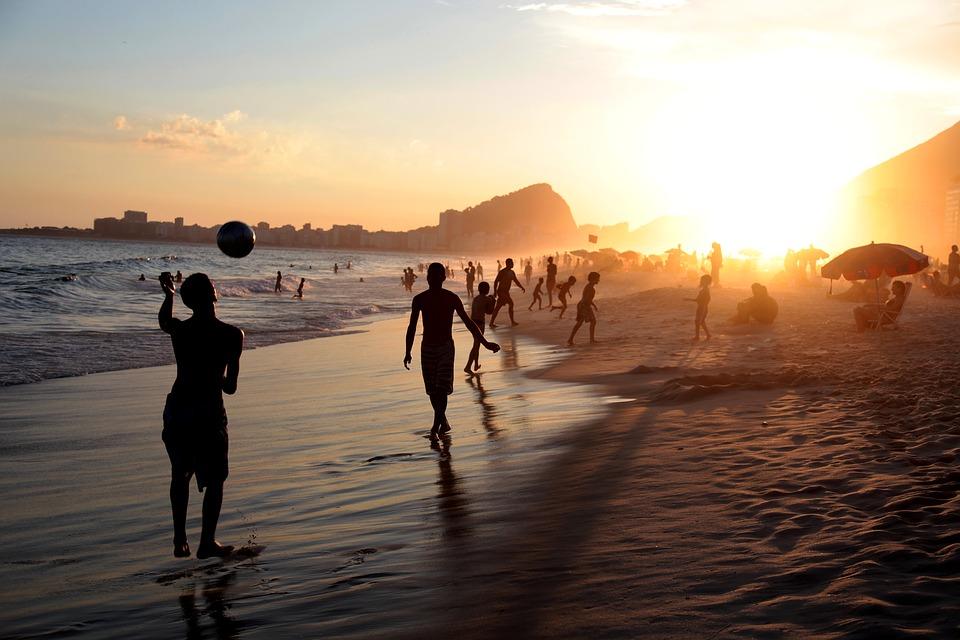Mennesker på stranden