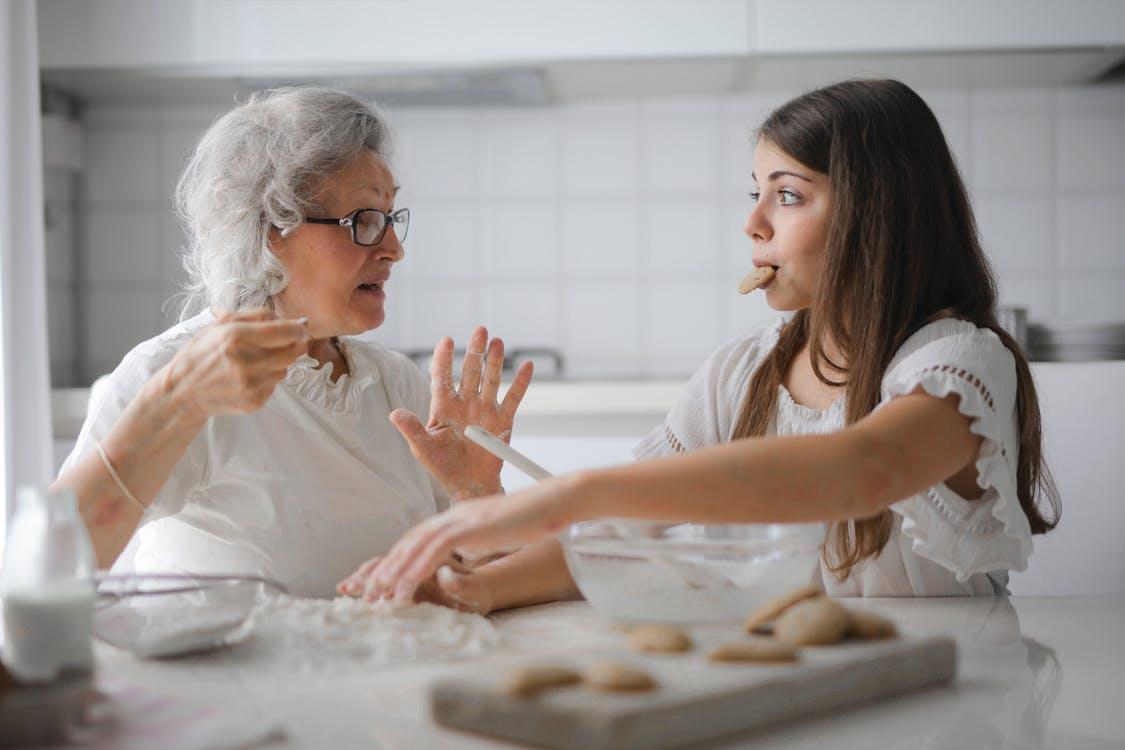 Datter snakker med mor